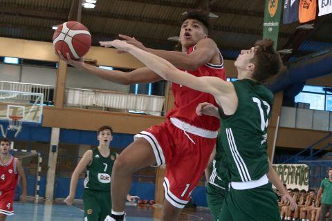 Στιγμιότυπο από το ματς του Ολυμπιακού με τον Εξάστερο