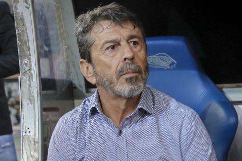 Ο Γιάννης Πετράκης στην αναμέτρηση του ΠΑΣ Γιάννινα με την ΑΕΚ στο ΟΑΚΑ.
