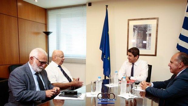 """Βασιλακόπουλος σε Αυγενάκη: """"Πρέπει να μείνει στην Α1 ο Ολυμπιακός"""" (photos)"""
