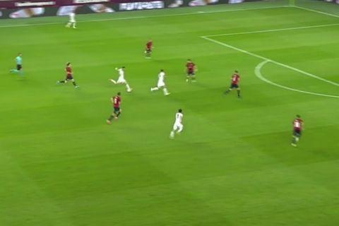 Ο Τσικαλέσι σκοράρει ένα εντυπωσιακό γκολ κόντρα στην Τσεχία