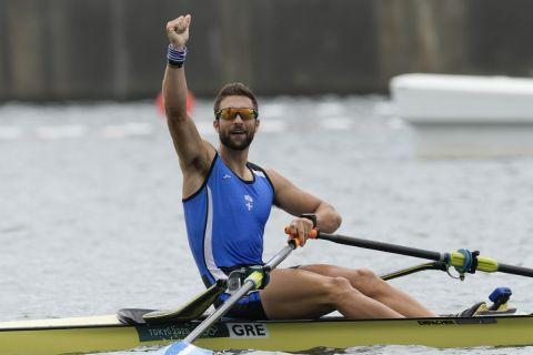 Ο Στέφανος Ντούσκος πανηγυρίζει τον θρίαμβό του στους Ολυμπιακούς Αγώνεςς