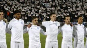Οι οπαδοί του Κοσόβου αποθέωσαν την Αγγλία με σημαίες και συνθήματα
