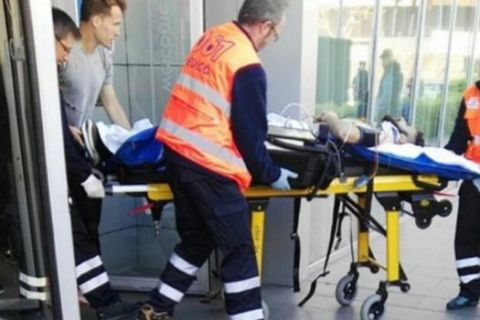 Ποδοσφαιριστής έπεσε από τον 3ο όροφο και νοσηλεύεται
