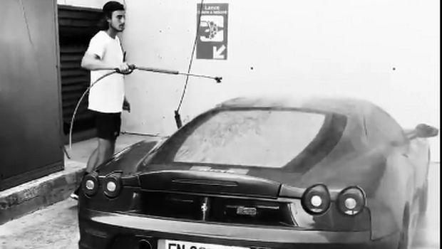 Ο Τσιτσιπάς και η Ferrari F430