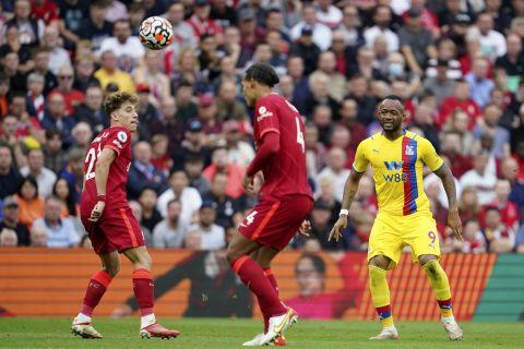 Ο Κώστας Τσιμίκας με τη φανέλα της Λίβερπουλ σε ματς πρωταθλήματος με την Κρίσταλ Πάλας | 18 Σεπτεμβρίου 2021