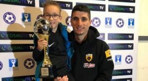 ΑΕΚ: Ο Μάνταλος χάρισε το βραβείο του MVP σ' έναν μικρό οπαδό