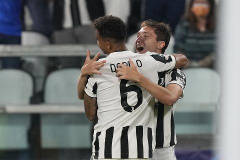 Ο Φεντερίκο Κιέζα πανηγυρίζει μαζί με τον Ντανίλο γκολ του στο Γιουβέντους - Τσέλσι για το Champions League | 29 Σεπτεμβρίου 2021