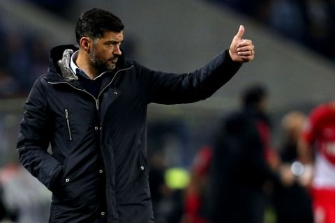 Porto coach Sergio Conceicao gestures during the Champions League group G soccer match between FC Porto and AS Monaco at the Dragao stadium in Porto, Portugal, Wednesday, Dec. 6, 2017. (AP Photo/Luis Vieira)