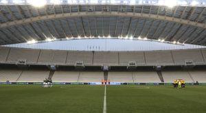 Super League: Γιατί είναι σχεδόν απίθανο να επιστρέψει άμεσα ο κόσμος στα γήπεδα