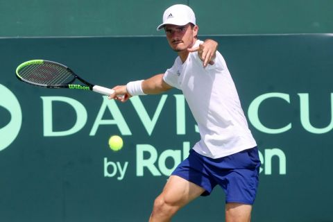 Ο Πέτρος Τσιτσιπάς στο Davis Cup