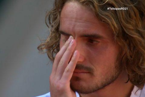 """Λύγισε και έκλαψε ο Τσιτσιπάς μετά το ματς: """"Είμαι από ένα μικρό μέρος της Αθήνας, ποτέ δεν φανταζόμουν ότι θα έφτανα εδώ"""""""