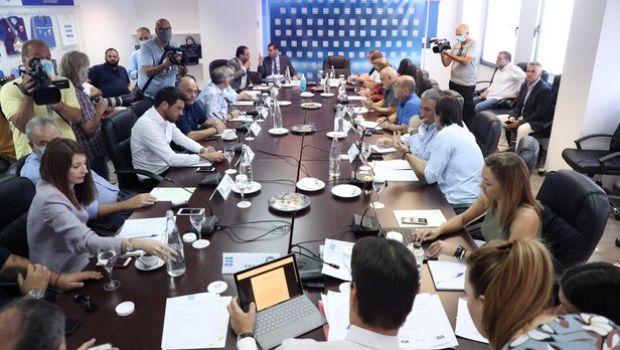 Super League: Δεν ξεκινάει το πρωτάθλημα, αν γίνει αναδιάρθρωση