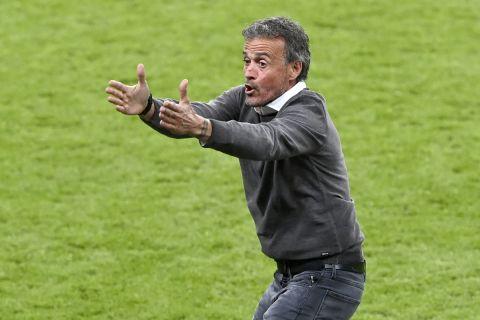 Ο Λουίς Ενρίκε στον πάγκο της εθνικής Ισπανίας στην αναμέτρηση με την Ιταλία για τα ημιτελικά του Euro 2020 | 6 Ιουλίου 2021