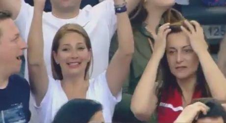 Φίλαθλος του Ολυμπιακού πανηγύρισε το air ball του Μάντζαρη!