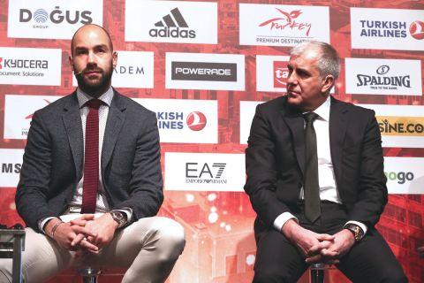 Ο Βασίλης Σπανούλης με τον Ζέλικο Ομπράντοβιτς σε εκδήλωση της EuroLeague