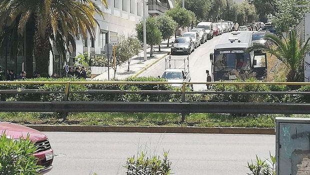 ΠΑΟΚ - ΑΕΚ: Δυναμιτάκια έξω από το ξενοδοχείο