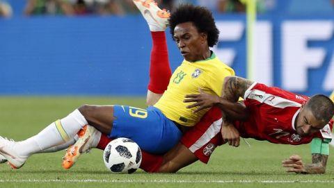 """""""Πύρρειος"""" νίκη και πρωτιά για Βραζιλία, 2-0 τη Σερβία"""