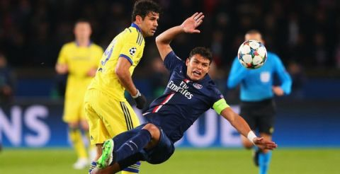 PARIS, FRANCE - FEBRUARY 17:  Thiago Silva of Paris Saint-Germain is challenged by Diego Costa of Chelsea during the UEFA Champions League Round of 16 match between Paris Saint-Germain and Chelsea at Parc des Princes on February 17, 2015 in Paris, France.  (Photo by Alex Livesey/Getty Images)