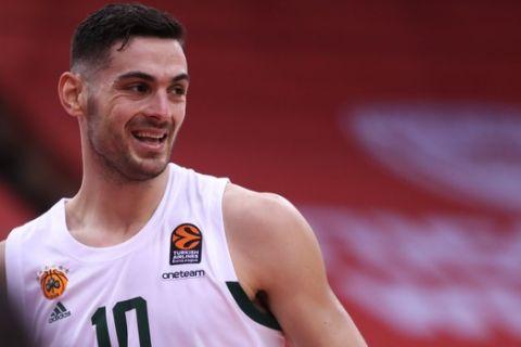 Ολυμπιακός - Παναθηναϊκός 77-88: Πράσινος θρίαμβος στο ΣΕΦ, απογοητευτικοί οι ερυθρόλευκοι