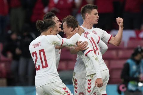 Ο Μίκελ Ντάμσγκααρντ πανηγυρίζει γκολ του στο Δανία - Ρωσία για το Euro 2020.