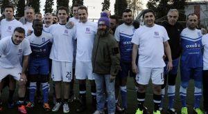 Συνάντηση Μητσοτάκη με την ποδοσφαιρική Εθνική Αστέγων