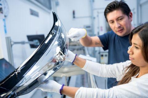 Στην LG η παγκόσμια εταιρεία συστημάτων φωτισμού οχημάτων ZKW Group