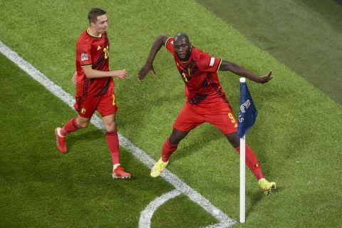 Ο Ρομέλου Λουκάκου πανηγυρίζει γκολ του Βελγίου κόντρα στην Γαλλία για τα ημιτελικά του Nations League