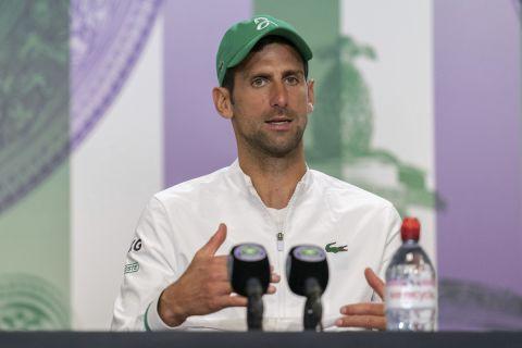 Ο Νόβακ Τζόκοβιτς στη συνέντευξη Τύπου του Wimbledon