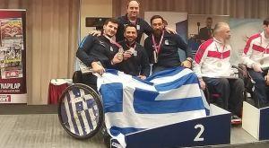 Ξιφασκία με αμαξίδιο: Ασημένιο μετάλλιο για το ομαδικό της σπάθης