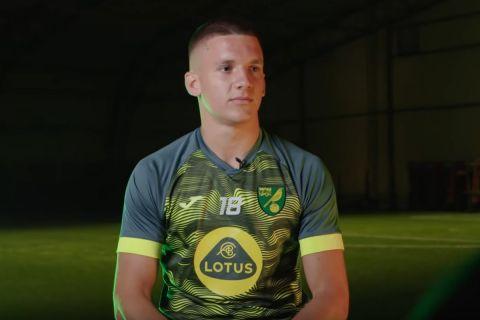 Ο Χρήστος Τζόλης από την πρώτη του ημέρα ως ποδοσφαιριστής της Νόριτς