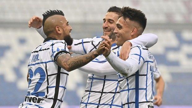 Σασουόλο - Ίντερ 0-3: Απάντησε στους οπαδούς της και έριξε τριάρα