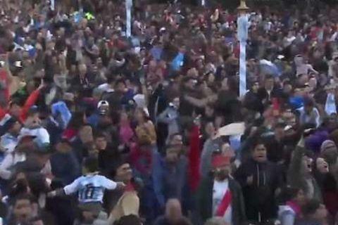 """Πανικός στην """"Piazza San Martin"""" στο γκολ του Ρόχο!"""