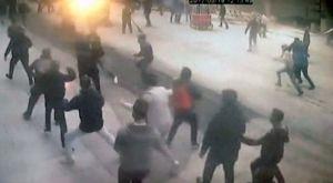 Το υλικό από τις κάμερες ασφαλείας από την επίθεση στους φίλους του Ολυμπιακού
