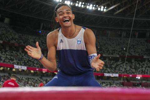 Ο Εμμανουήλ Καραλής στον τελικό του επί κοντώ στους Ολυμπιακούς Αγώνες του Τόκιο