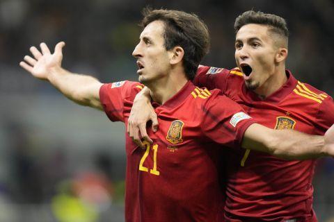 Ο Οϊαρθάμπαλ πανηγυρίζει το γκολ που πέτυχε στο Ισπανία - Γαλλία