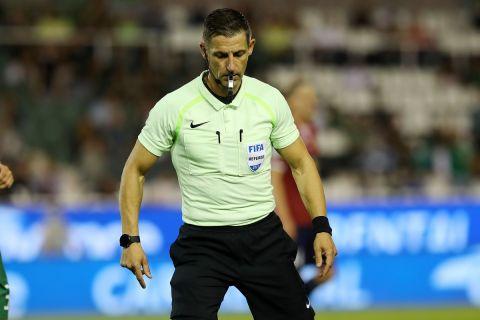 Ο Τάσος Σιδηρόπουλος στην αναμέτρηση του Παναθηναϊκού με τον Απόλλων Σμύρνης για την 1η αγωνιστική της Super League Interwetten.