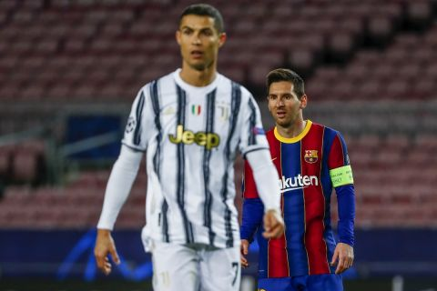 Ο Μέσι με τον Ρονάλντο στην αναμέτρηση της Μπαρτσελόνα με τη Γιουβέντους για το Champions League