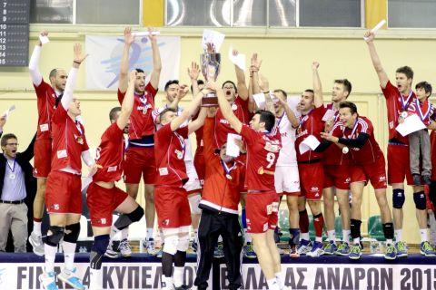 Κυπελλούχος ο Ολυμπιακός, νίκησε 3-0 την Κηφισιά