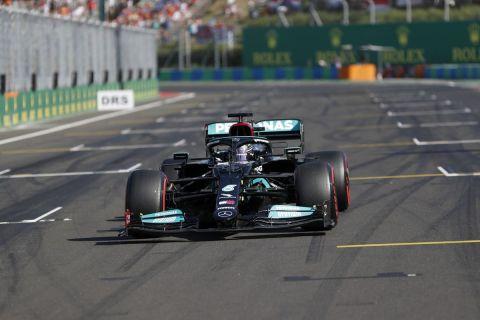 Ο Λιούις Χάμιλτον της Mercedes σε στιγμιότυπο των κατατακτήριων δοκιμών του GP Ουγγαρίας 2021, Μόγκιοροντ | Σάββατο 31 Ιουλίου 2021