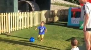 Ο μικρός γιος του Ρονάλντο σουτάρει με στιλ και βάζει γκολ