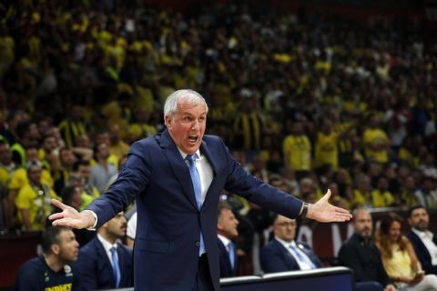 Fenerbahce head coach Zeljko Obradovic reacts during their Final Four Euroleague final basketball match between Real Madrid and Fenerbahce in Belgrade, Serbia, Sunday, May 20, 2018. (AP Photo/Darko Vojinovic)