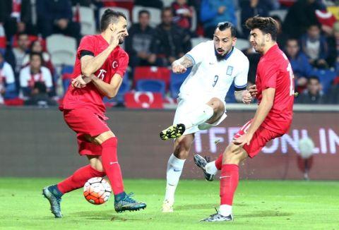 Πίσω στιβαρή, μπροστά ακίνδυνη η Εθνική στο 0-0 με την Τουρκία