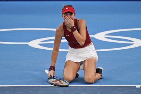Η Μπελίντα Μπέντσιτς πανηγυρίζει την πρόκρισή της στον τελικό των Ολυμπιακών Αγώνων