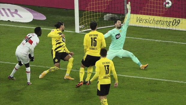 Bundesliga: Πεντάρα στην Ντόρτμουντ η Στουτγκάρδη του Μαυροπάνου