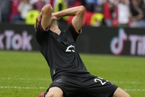 Ο Τόμας Μίλερ απογοητευμένος στο παιχνίδι της Γερμανίας με την Αγγλία για το Euro 2020.