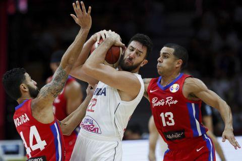 Ο Βασίλιε Μίτσιτς σε φάση από αγώνα Σερβία - Πουέρτο Ρίκο στο Παγκόσμιο Κύπελλο του 2019