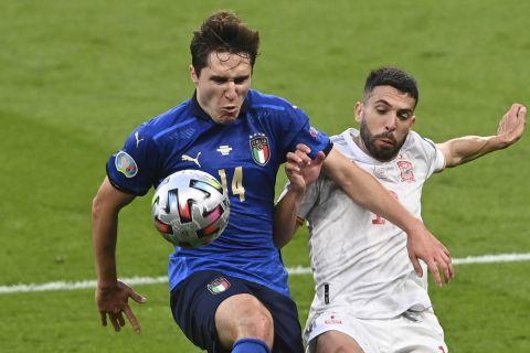 Ο Φεντερίκο Κιέζα με τη φανέλα της Ιταλίας κόντρα στην Ισπανία στον ημιτελικό του Euro 2020