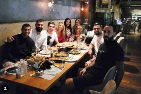 Ο Δημήτρης Σιόβας γιορτάζει τα γενέθλια του με Μήτρογλου, Μανιάτη