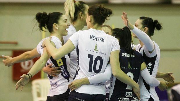 Volleyleague γυναικών: Αχώριστο δίδυμο στην κορυφή ΑΟ Θήρας και Ολυμπιακός