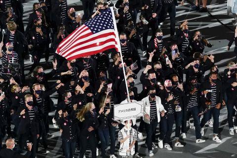 Η παρέλαση της Team USA στην τελετή έναρξης των Ολυμπιακών Αγώνων